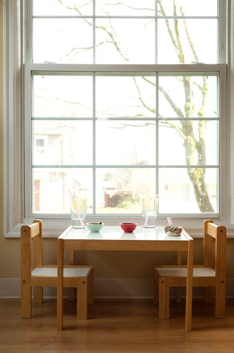 Window Seat, how perfect: Montessori At Home, Kids Spaces, Families Life, Montessori Ideas, Sash Window, Families Friends, Window Seats, Joel Henriqu, Little Kids Tables And Chairs