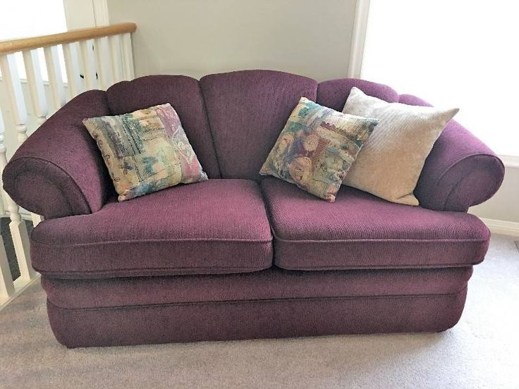 Two Matching Love Seats - Castanet Classifieds