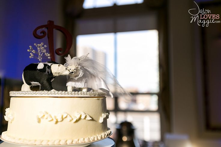 Wedding Cake, wedding details. Photo by Jason Loves Maggie, Photographers. #weddingcake #weddingday #details #weddingphotography #connecticutwedding #polarbear #jasonlovesmaggie