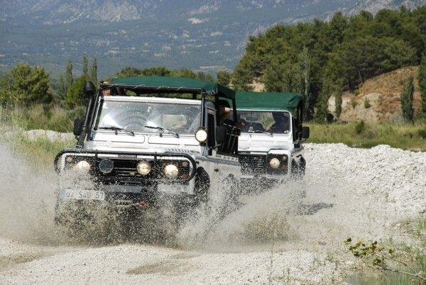 Kaş'ta jeep safariyi hiç denediniz mi ? Bu heyecanı kaş otel farkıyla yaşayın. http://bit.ly/1p6m19d  #Jeepsafari #Kaşhotel #Kaş #hız