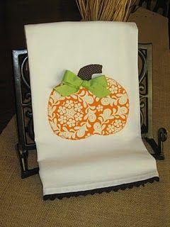 Flour sack towels: Kitchens Towels, Polka Dots, Pumpkin Kitchens, Gifts Ideas, Fall, Flour Sacks Towels, Hands Towels, Dishes Towels, Dish Towels