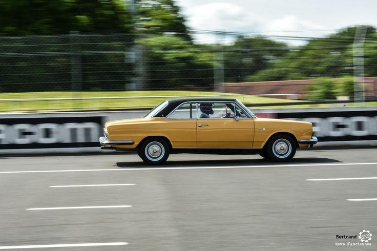 #IKA #Renault #Torino au Losange Passion International. #MoteuràSouvenirs Reportage : http://newsdanciennes.com/2016/05/22/losange-passion-international-losange-tres-grande-forme/ #ClassicCar #VintageCar