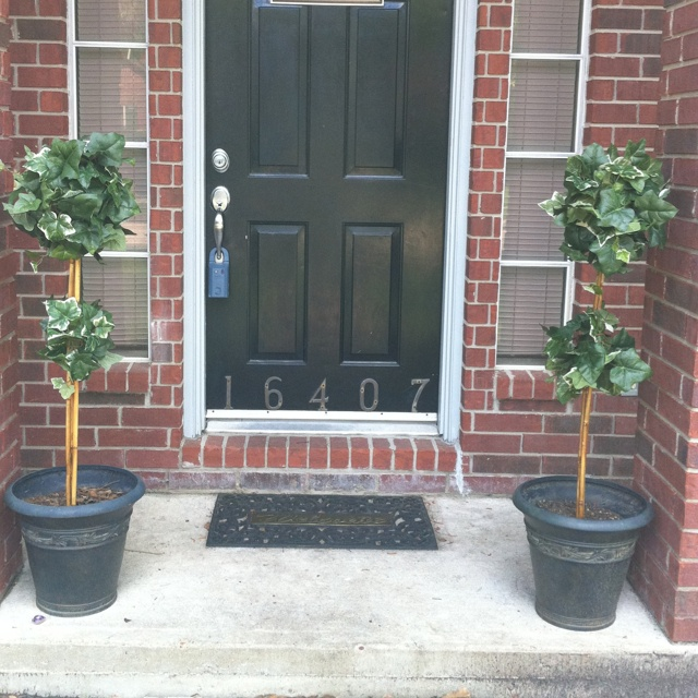Front Door Topiary: Topiaries For The Front Door