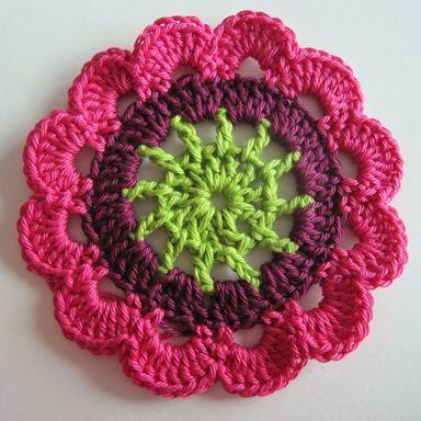 """Receta para pañuelos de cuello, de punto de las flores """"japonés"""".       Aquí está la receta de cómo hacer ganchillo """"floral japonés"""".He o..."""