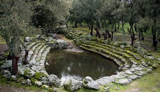 Sito #Archeologico di Romanzesu – Struttura Cerimoniale (Vasca) Gradonata #Bitti #Sardgena