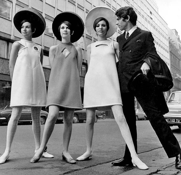 Pierre Cardin in 1960, with mini skirt, the dress was more shorter and flared hem . It was more active, flexible and modern . (28.10.13)