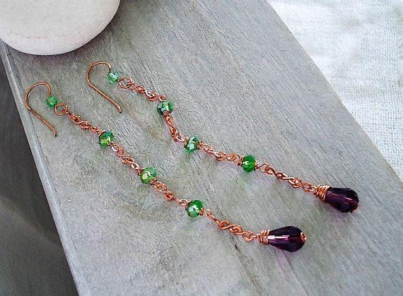 Orecchini lunghi con goccia di vetro viola di Candylostile su Etsy