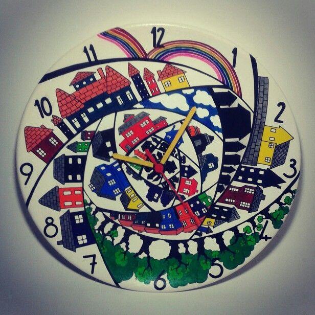 Şehir konulu kişiye özel duvar saati Nüwa Sanat