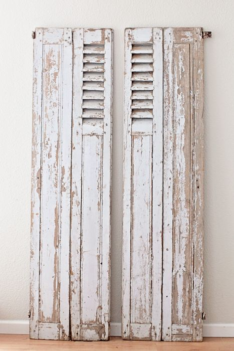 Vintage French Gray Shutters Aproveite as portas antigas para decorar www.reciclardecorar.net