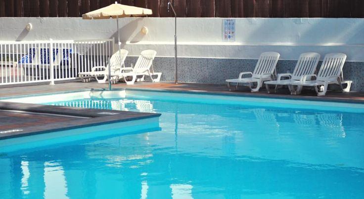 Apartamentos Calma Playa del Ingles Apartamentos Calma is 200 metres from the beach in Gran Canaria's Playa del Inglés. The complex offers an outdoor pool and free Wi-Fi zone. Some apartments have a balcony with ocean or garden views.