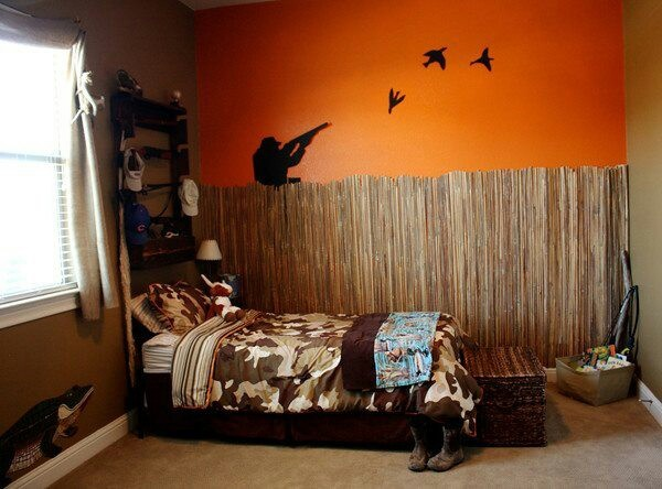 Kids room.  hunting theme room