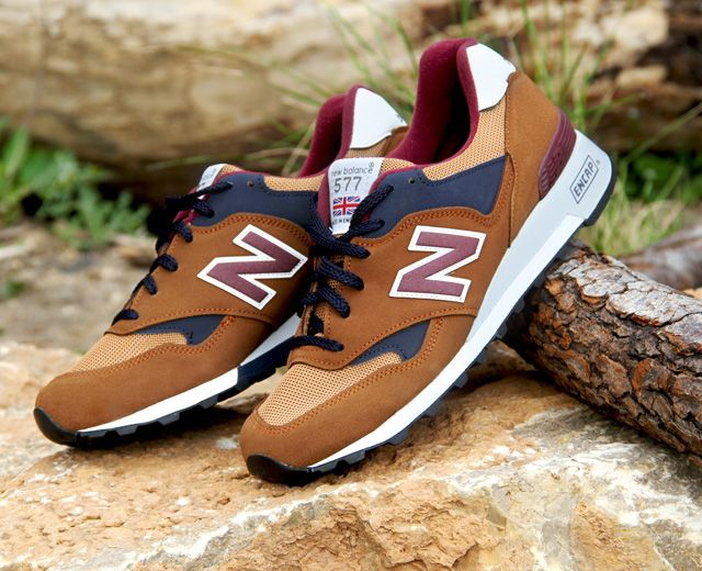 577 NEW BALANCE BROWN TRAINERS