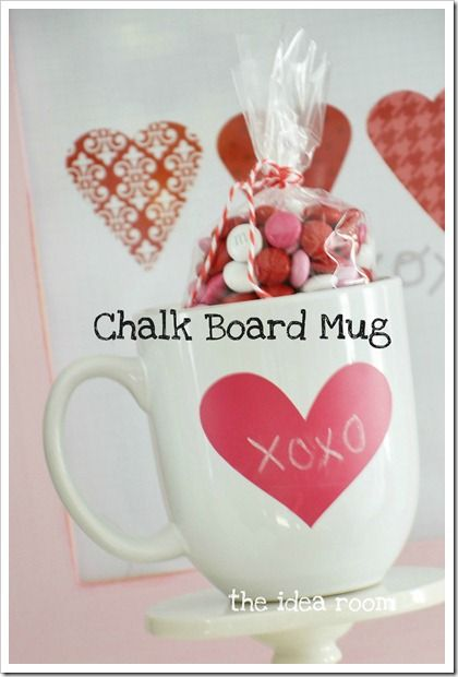 Chalkboard mug via The Idea Room: Valentine'S Day, Teacher Gifts, Gifts Ideas, Chalkboards Paintings, Chalk Boards, Valentines Day, Valentine'S S, Valentines Gifts, Diy
