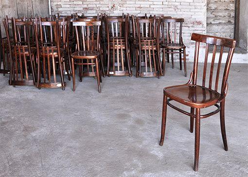Interior design recupero vecchie sedie da ufficio in ottime condizioni. SESTINI E CORTI