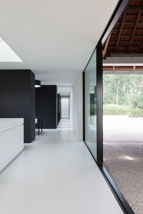 Single family house by Pascal François Architects  // Photography by Thomas de Bruyne