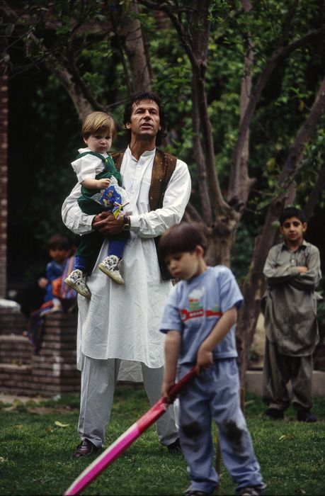 Imran Khan: Political Leaders (Epitome OF Edu.Sports.Skills.Life Strategy)  ........ playing cricket with his nephews