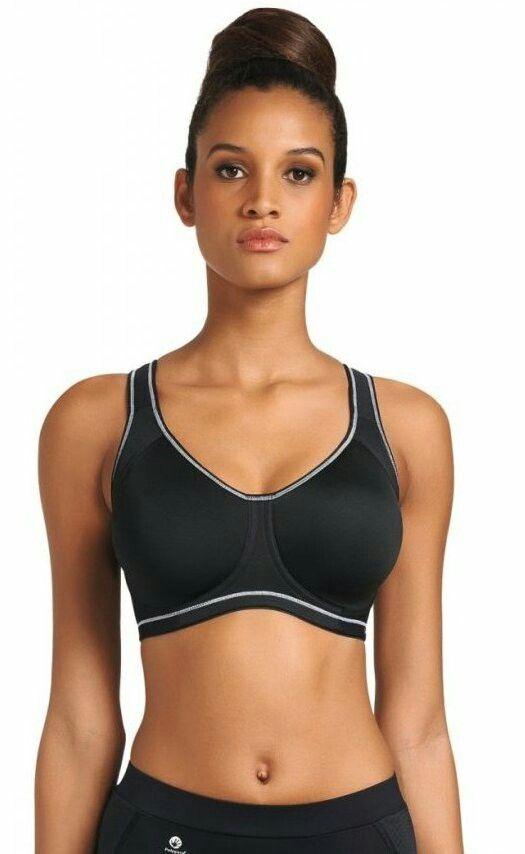 Freya Active Sport (AA4892) wired moulded bra / sportowy biustonosz na fiszbinach z usztywnianymi miseczkami.
