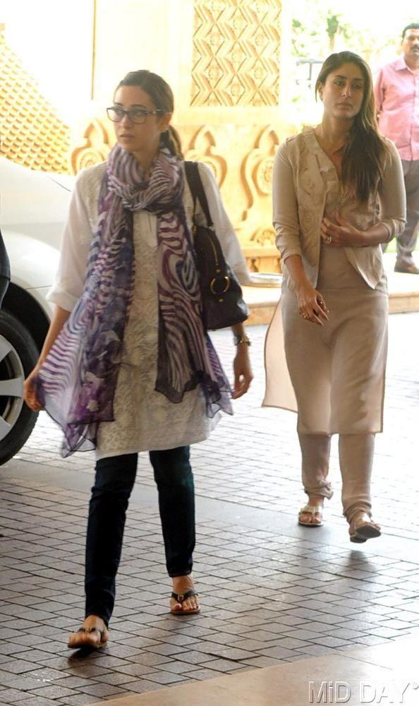 Karisma Kapoor with sister Kareena at the prayer meet of Priyanka Chopra's father #Bollywood