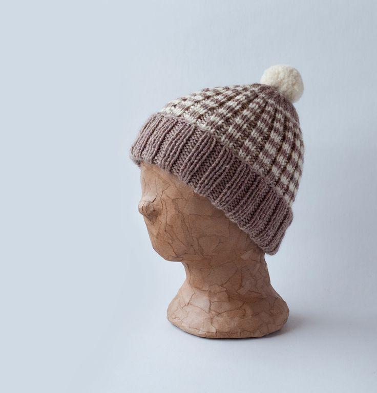 Mantelinan villainen raitapipo - Knitted woollen beanie with stripes by Mantelina