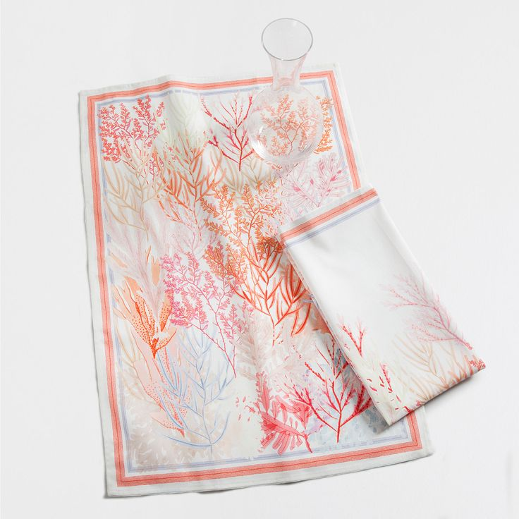 Image 1 of the product Multicoloured coral print tea towel (set of 2)