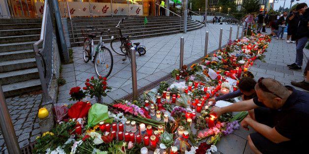 Le jeune tueur du centre commercial de Munich était un admirateur d'Adolf Hitler - 28 juillet 16