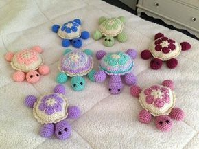 Baby crochet turtles for all happy babies. Make this amazing project for your or friend's sweethearts. This pattern is available totaly for free in  below: More free crochet patterns? join our facebook group Like our fanpage below – 1001 free crochet patterns >> Free Croche...
