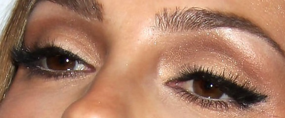 Love this, maybe a little less cat-eye