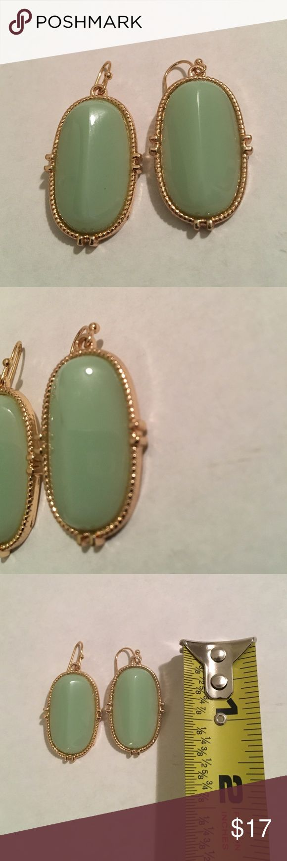 💕💕Gold And Simulated Jade Earrings NWOT Stunning Gold Tone Earrings Showcase A Light Green Simulated Jade Stone 💕💕 Jewelry Earrings