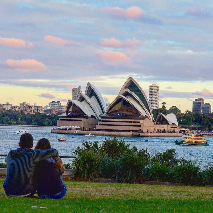 """Follow us on insta: http://ift.tt/2v5YTqB -- @vamosfugirblog -- """"Uma longa viagem inicia-se com o movimento de um pé... """" - Lao-Tsé #sonhorealizado #australia #intercambio #viagem #vamosfugirblog #dooutroladodomundo #amo #ilovesydney #ilovensw #ozzylife #aussie July 25 2017 at 09:17PM"""