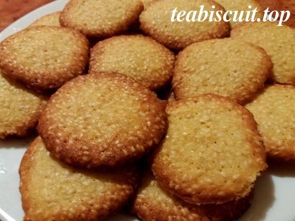 Кунжутное печенье - рецепт с фото. Печенье получается очень нежным, крохким с приятным кунжутным вкусом.
