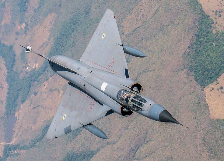 O caça francês Mirage III foi o primeiro avião supersônico em operação no Brasil (FAB)