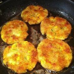 Potatiskakor med purjolök, bacon och ost