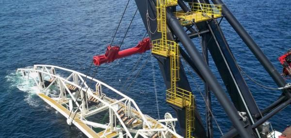 Working together through a joint venture will bring the best of both worlds to offshore oil and gas services, Schlumberger and Subsea 7…
