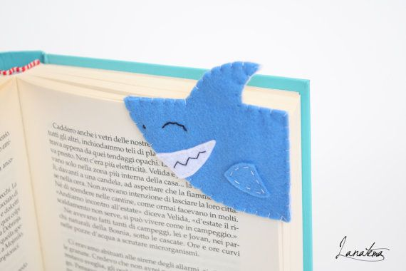 Shark, corner bookmark, a ferocious shark for thrills and chills readings *Amy*