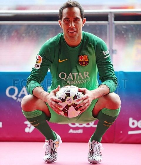 Welcome to the family #ClaudioBravo #FCBarcelona