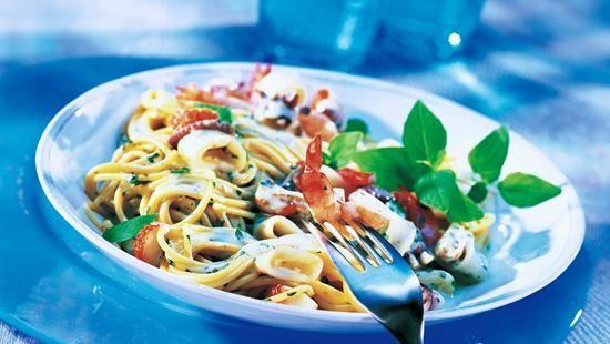 Spaghetti al Pesto mit Meeresfrüchten