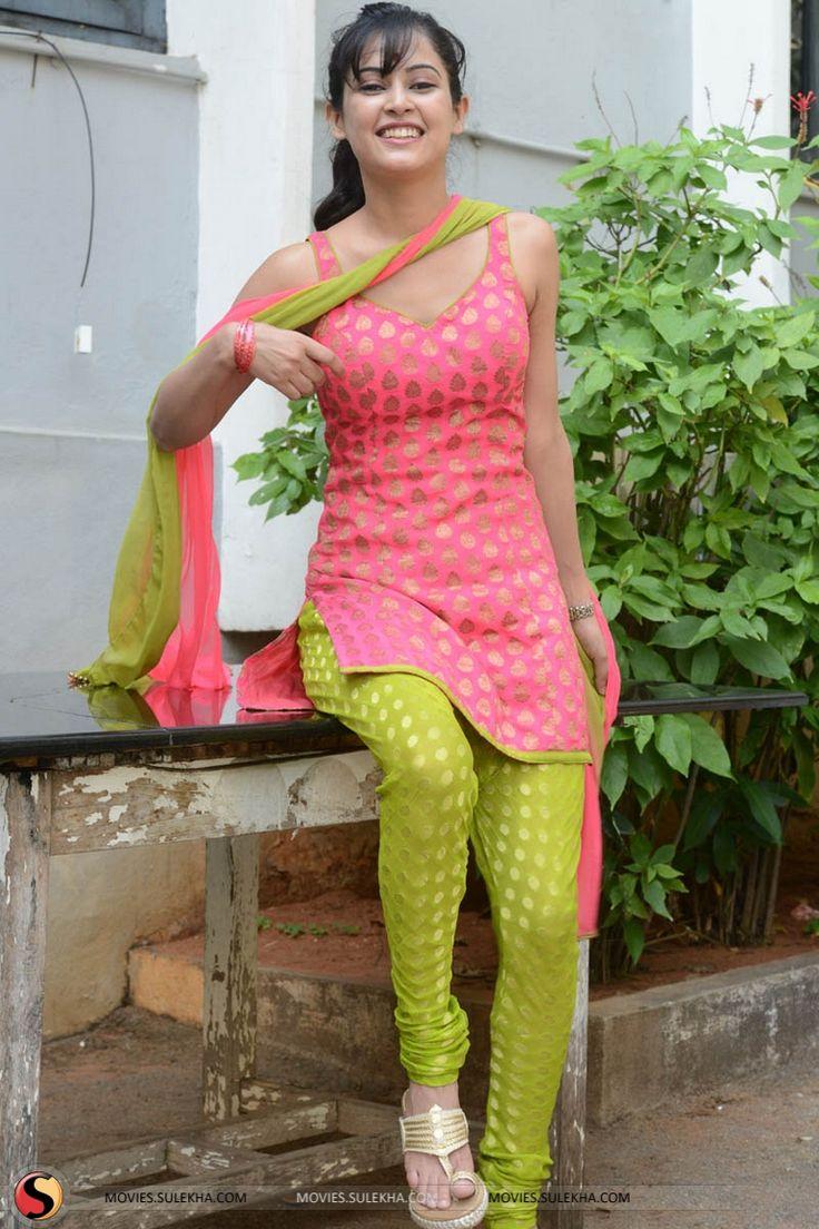 Hot aunty in leggings girls