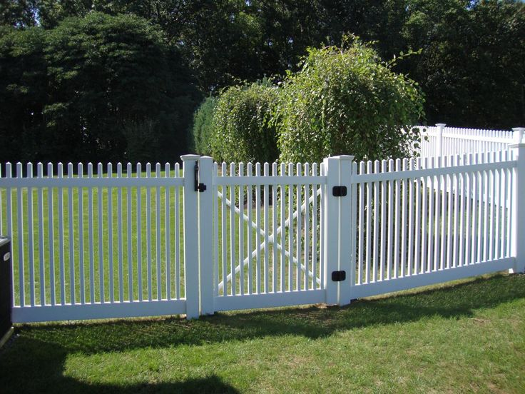 pinterest wood fence cost chain link fence cost and backyard fences