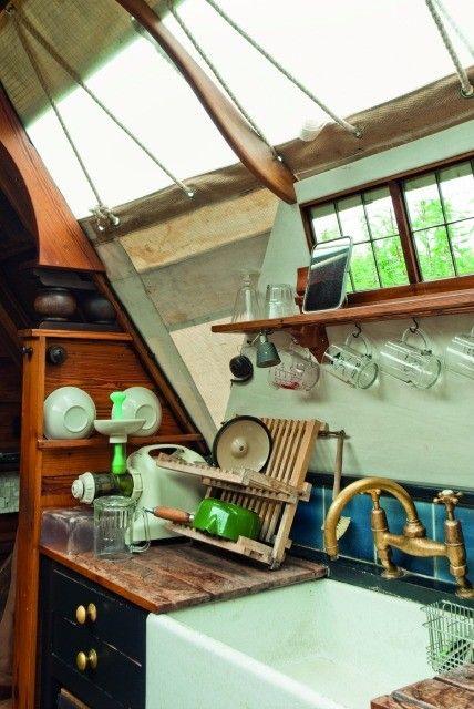 Inside a narrowboat's kitchen (Jim Batty)