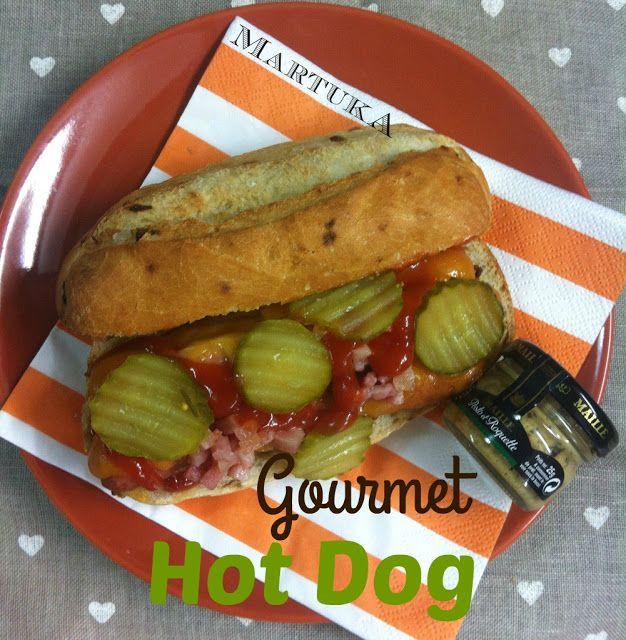 Las recetas de Martuka: Perrito Caliente Con Cheddar, Pepinillos Y Bacon (Gourmet Hot Dog)