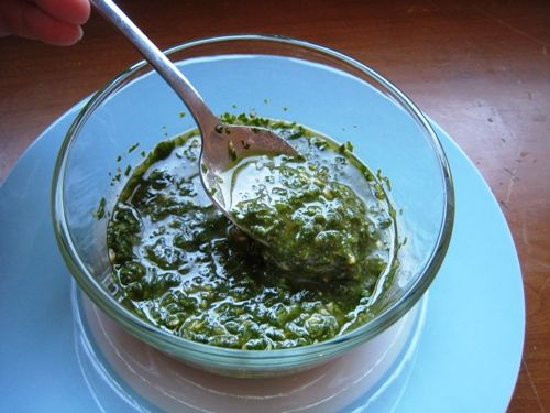 Rustic Basil Sauce, just made this, it's way cheaper than real pesto but still mighty yummy.: Dips Sauces Spreads, Packs Basil, Olives Oil, Olive Oils, Basil Sauces, Condiments Sauces, Easy Basil, Free Rustic, Rustic Basil