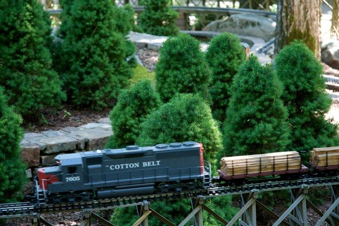 Model Trains At Garvan Woodland Gardens In Hotsprings