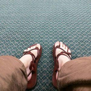 VENTA! Nuevas sandalias de cuero con tirantes. Zapatos para Mujeres y Hombres Chancletas Cintas Pisos Calzado de Diseñador Bíblico de Jesús  de Sandalimshop en Etsy https://www.etsy.com/mx/listing/256818166/venta-nuevas-sandalias-de-cuero-con