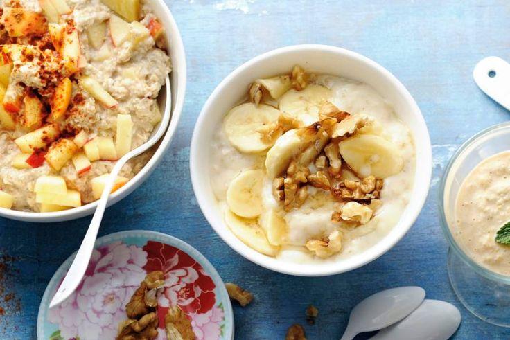 Behoefte aan een stevig ontbijt? Maak dan deze havermoutpap met banaan en walnoten.