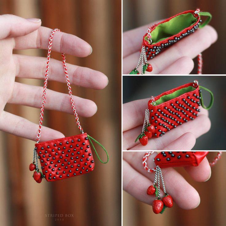 1/6 Strawberry bag for a Doll by striped-box.deviantart.com on @DeviantArt
