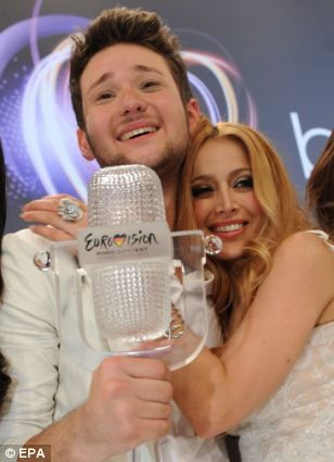 Eldar Kasimov and Nigyar Djamal of Ell/Nikki representing Azerbaijan, winner of the #Eurovision Song Contest 2011