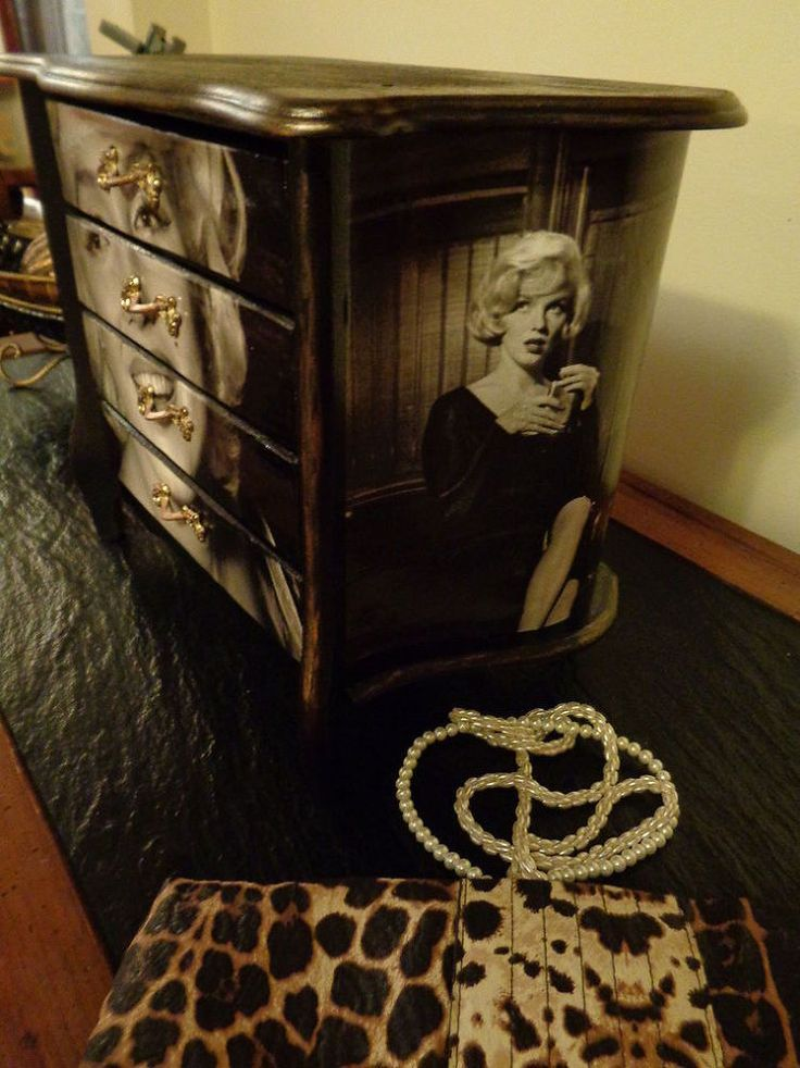 "Hometalk :: Jewelry Chest Makeover..""I gave a vintage jewelry chest a makeover for a gift. Jewelry and Marilyn are glamorous, so I combined them. """