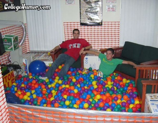 Best dorm room ever  To be, Kid and The guys ~ 183335_Frat Dorm Room Ideas