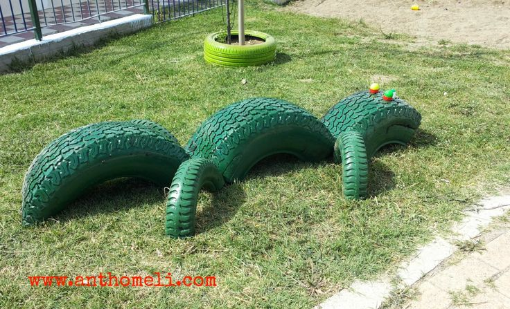 Diy crocodile made by old tires for the garden for Used tire yard art