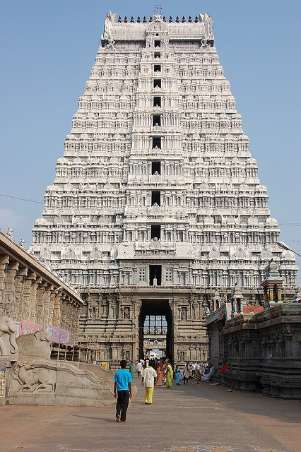 Arunachaleswar temple, Tiruvannamalai by tangmin, via Flickr